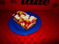Kruche ciasto z malinami i białkową pianką
