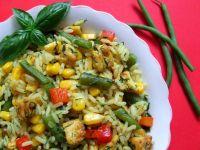 Kurczak curry z ryżem i kolorowymi warzywami