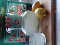 Lemoniada mocno cytrynowa z miętą