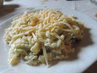 Makaron z cukinią i sosem śmietanowo-bazyliowym