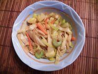 Makaron z warzywami w pięciu smakach