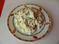 Makaronowa sałatka z kurczakiem i świeżym ogórkiem