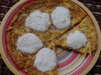 Makaronowy omlet z mozzarellą