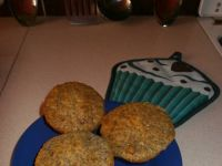 Makowe muffinki z dżemem wiśniowym