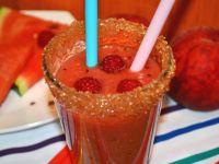 Malinowe smoothie z arbuzem i brzoskwiniami