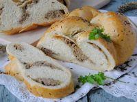 Mięsny warkocz chlebowy