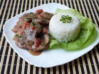 Mięso baranie z pomidorami