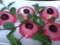 Mini babeczki serowe z wiśniami