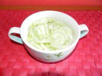 Mizeria z ogórków i cebuli