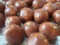 Mleczne pralinki w polewie czekoladowej