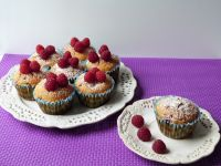 Muffinki dyniowe z malinami