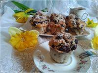 Muffinki straciatella z wiśniami z kompotu