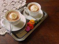 Mus cappuccino w filiżance