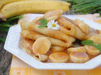 Naleśniki z karmelowym sosem i bananami