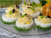 Oliwkowe jajka wielkanocne