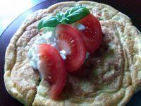 Omlet z bazylią i pomidorami