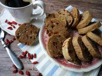 Pełnoziarniste ciasteczka z jagodami goji