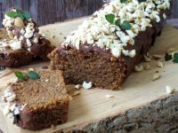Pełnoziarniste ciasto orzechowe z cukinią