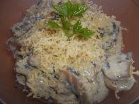 Pieczarki w sosie serowym