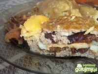 Pieczeń z serem i śliwkami
