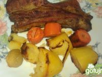 Pieczone żeberka z warzywami