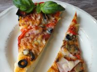 Pizza na puszystym cieście