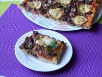 Pizza z bazylią i wędzonym serem