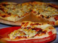 Pizza z pomidorkami koktajlowymi