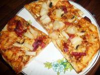 Pizza z salami i ananasem