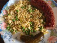 Podsmażana kiełbasa z warzywną jaglanką