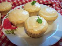 Pomarańczowe muffinki z lukrem