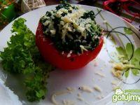 Pomidor nadziewany szpinakiem z serem
