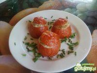 Pomidory nadziewane kurczakiem.