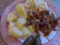 Potrawka z karkówki z ziemniakami i kapustą
