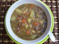 Pożywna zupa fasolowa