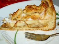 Proste, półkruche ciasto z jabłkami.