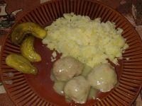 Pulpety w sosie jałowcowo-czosnkowym
