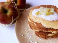 Racuchy drożdżowe z sosem jabłkowo-cynamonowym