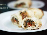 Rolada drobiowa z pieczarkami i serem korycińskim