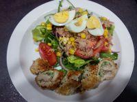 Rolada ze szpinakiem i sałatką z tuńczyka