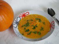 Rozgrzewająca zupa dyniowa z soczewicą
