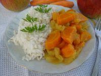 Ryż z sosem marchwiowo-jabłkowym