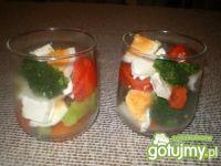Sałatka brokułowa w szklaneczkach