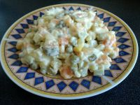 Sałatka jarzynowa z warzyw na parze
