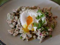 Sałatka makaronowa z tuńczykiem i jajkiem