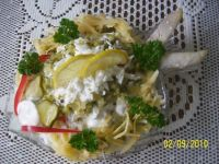 Sałatka śledziowa z żółtym serem