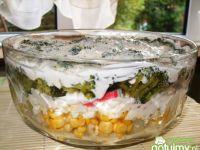 Sałatka warstwowa z brokułem, kalafiorem
