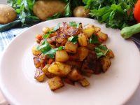 Sałatka z kalarepki i ziemniaków na ciepło