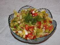 Sałatka z salaty lodowej