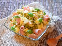 Sałatka z selerem konserwowym i szynką